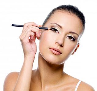 Maquilhagem Olhos – Passo 2: Eyeliner